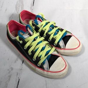 Converse Allstar sneakers. Size 6